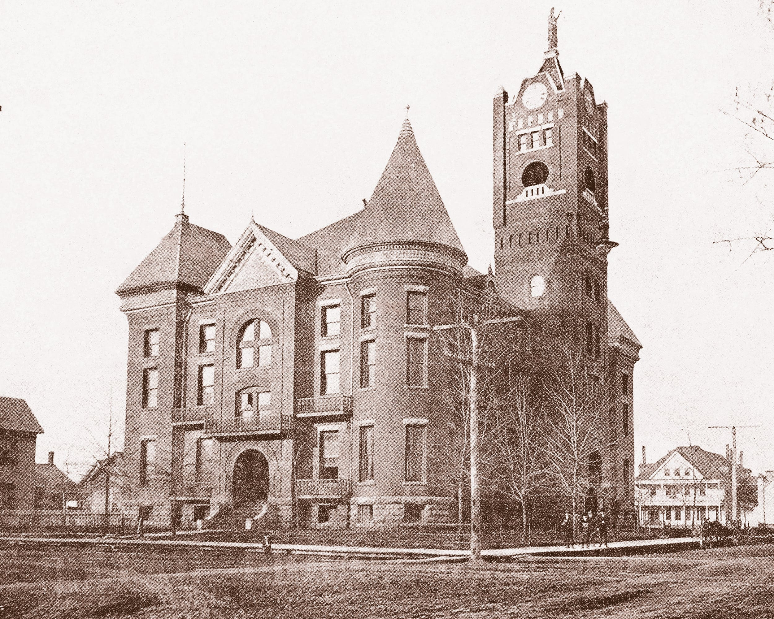 1903 – Jackson County Courthouse in Newport