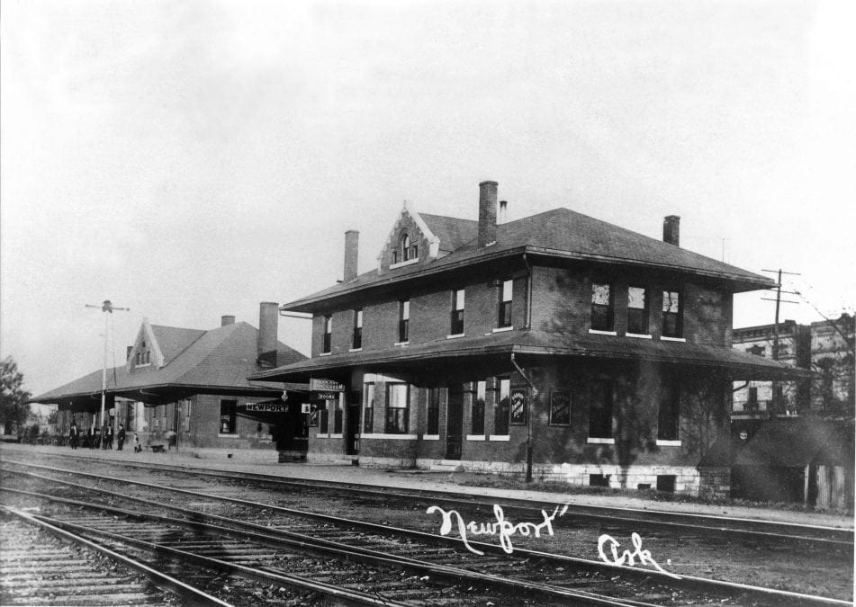 1916 – Depot and Van Nuys Hotel and Restaurant in Downtown Newport