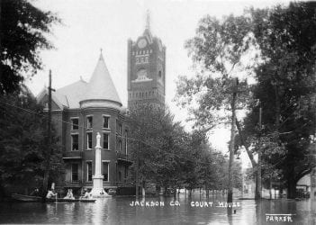 1915 – Flood at Jackson County Courthouse in Newport