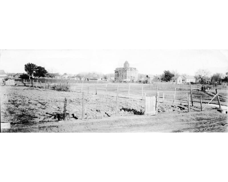 1940's – Jacksonport Courthouse Circa 1940