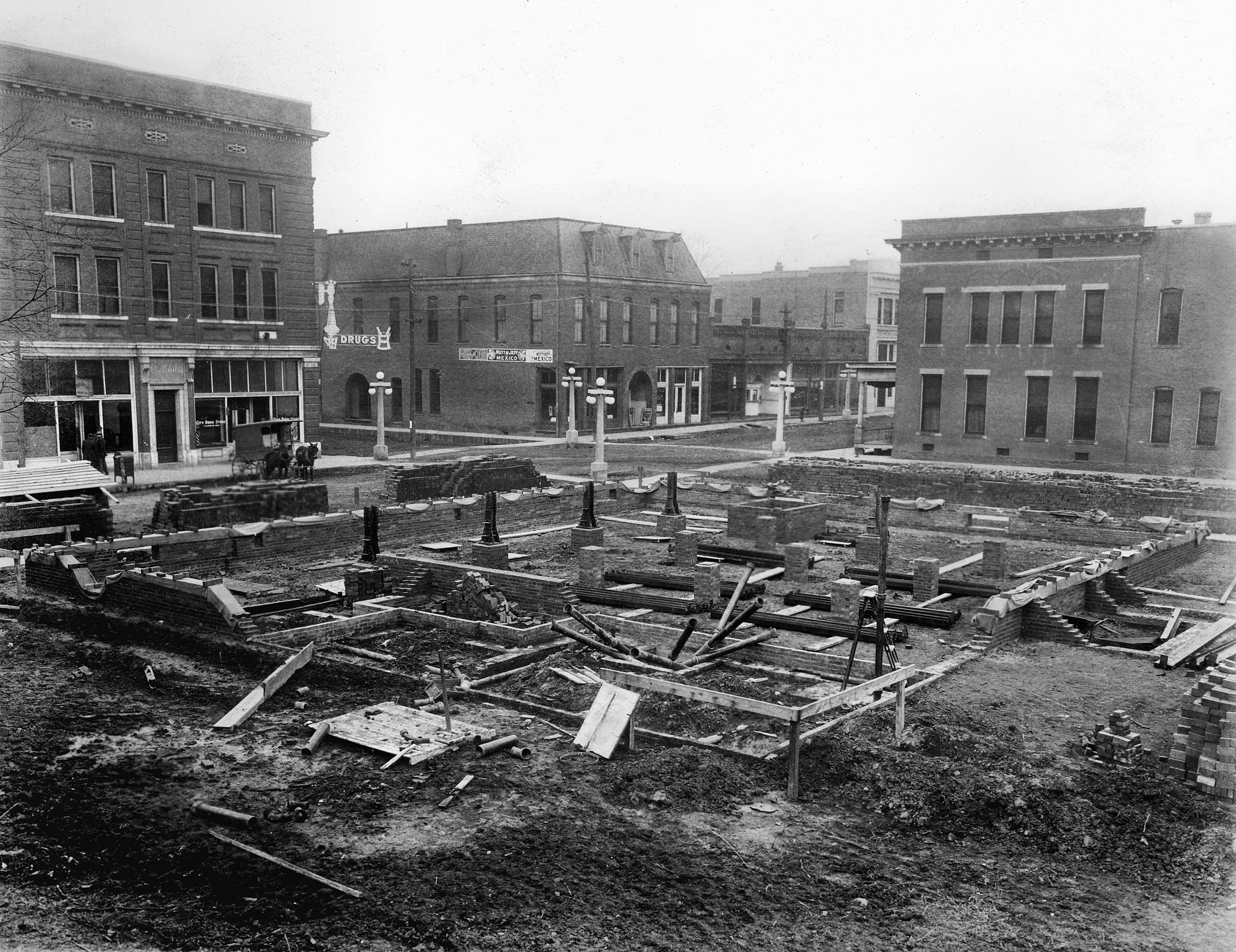 1900's – Construction of the Newport Post Office