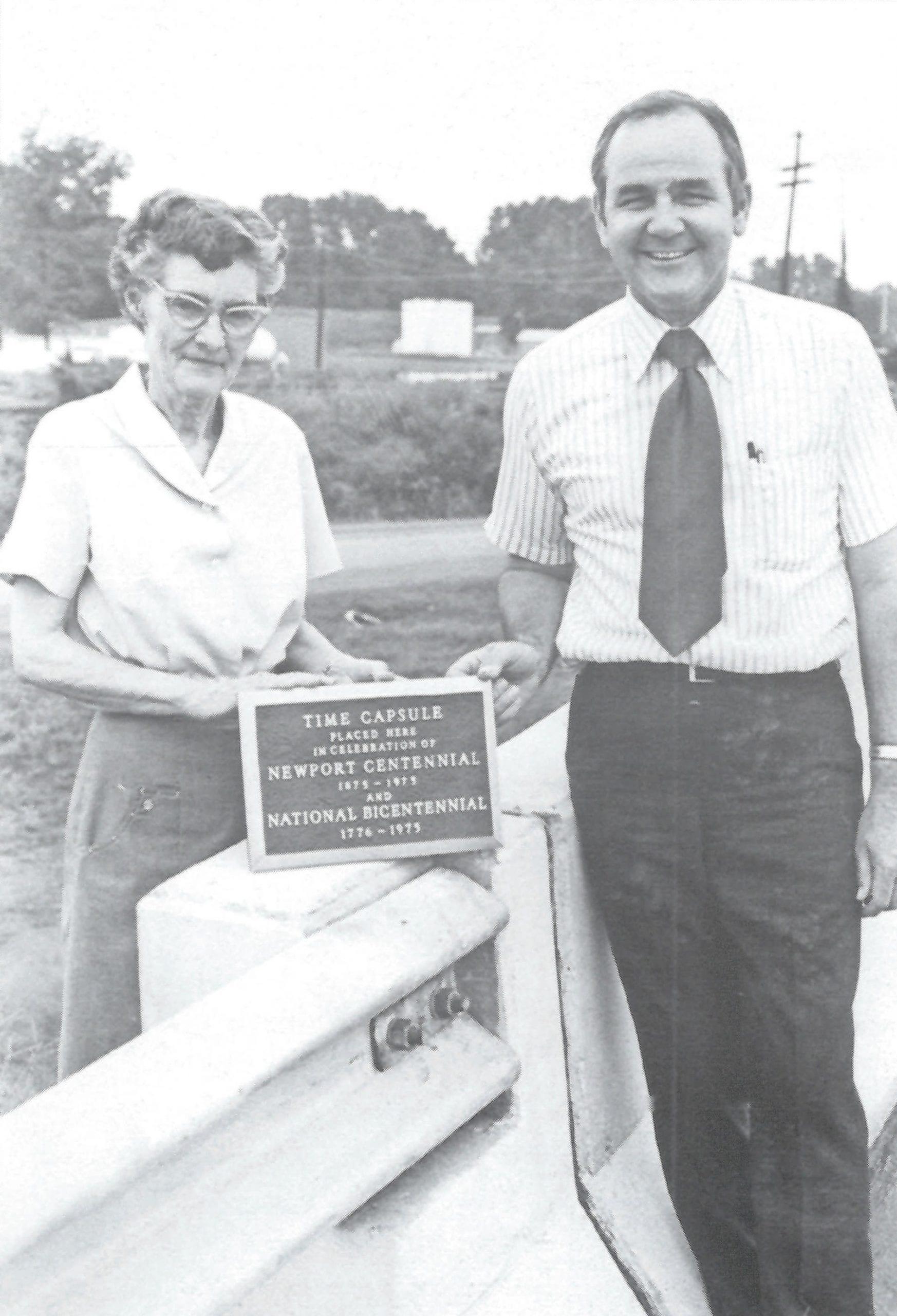 1976 – Newport's Centennial Steering Committee