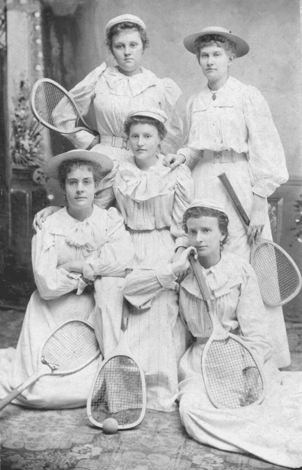1900's – Newport Tennis Club