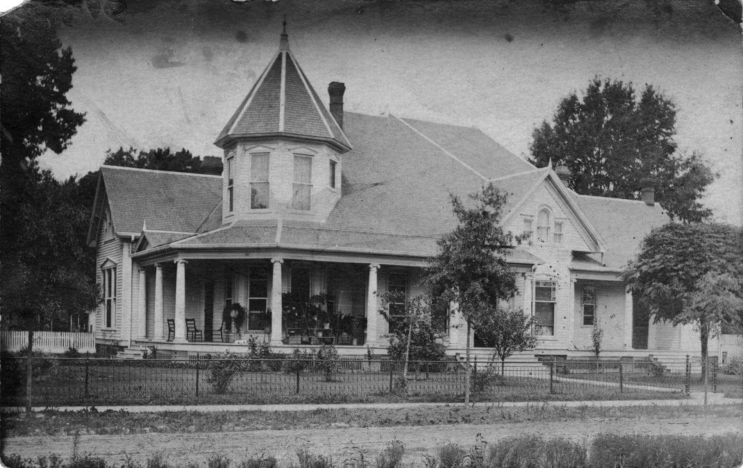 1900's – T.D. Snetzer's Home