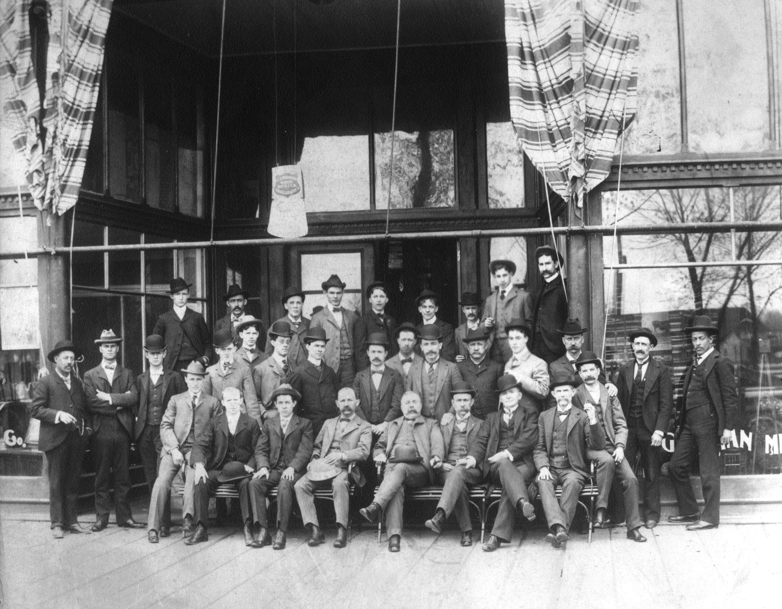1909 – Wolff Goldman Department Store