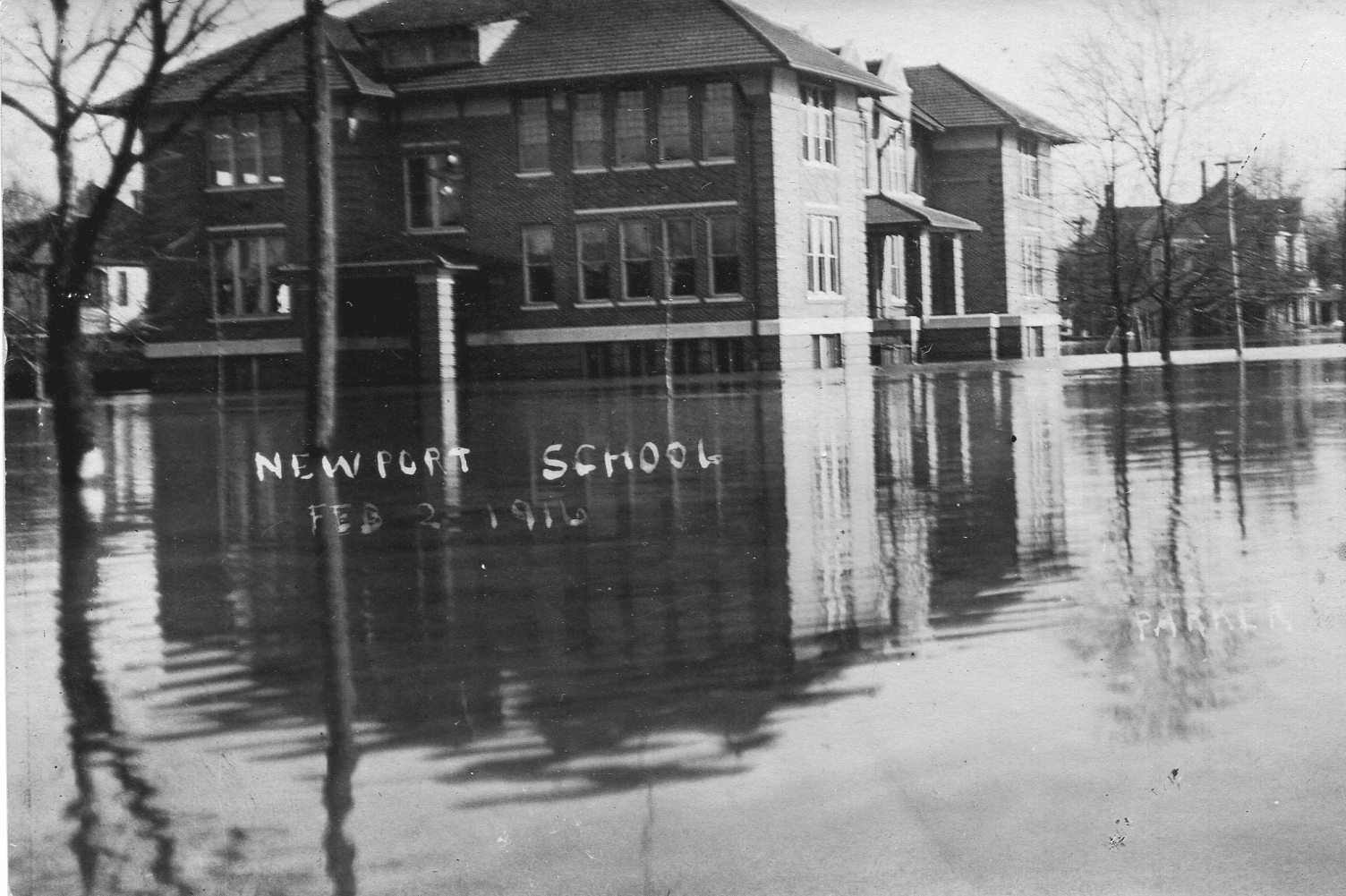 1916 – Walnut Street School