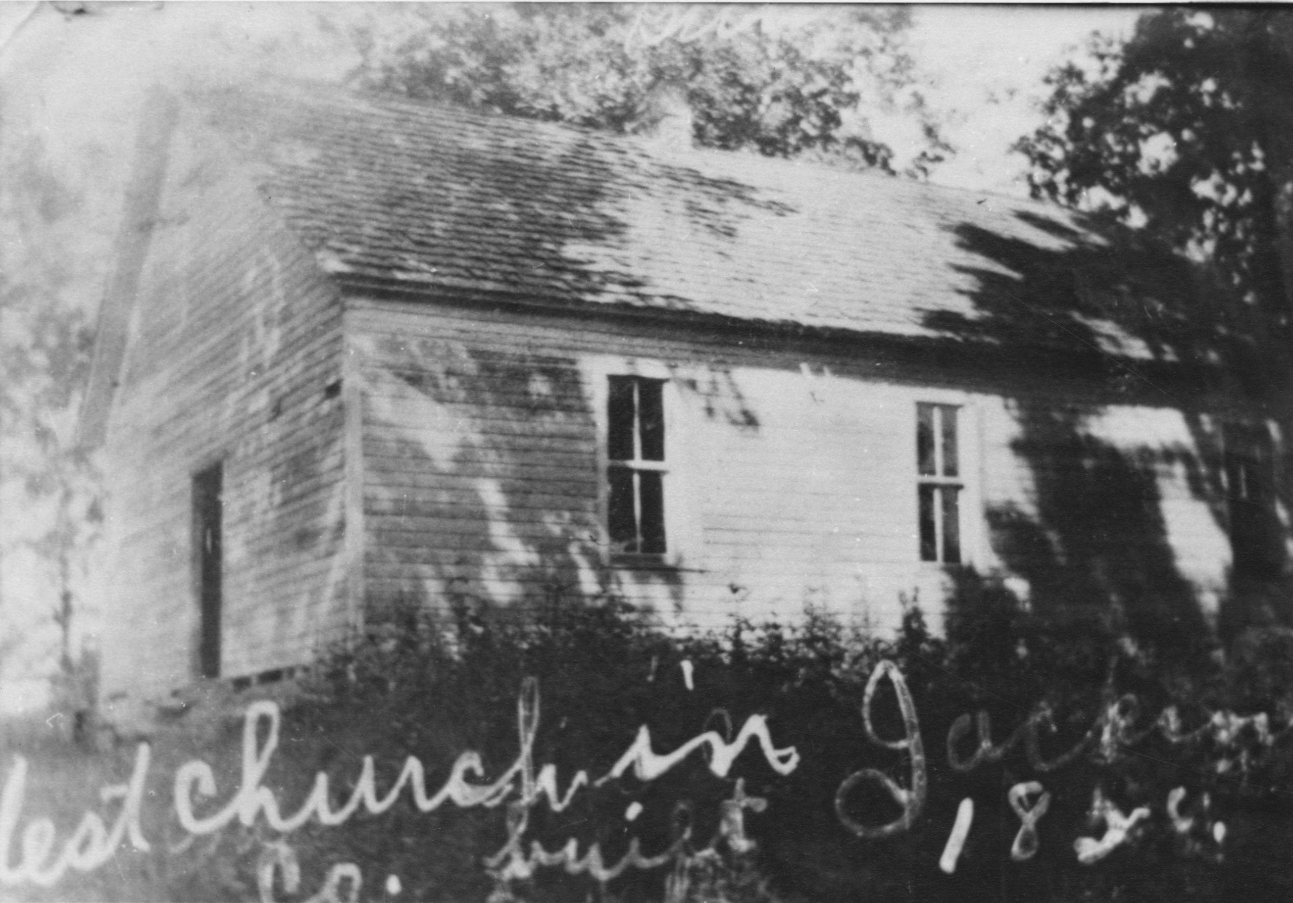 1915 – Surrounded Hill Church