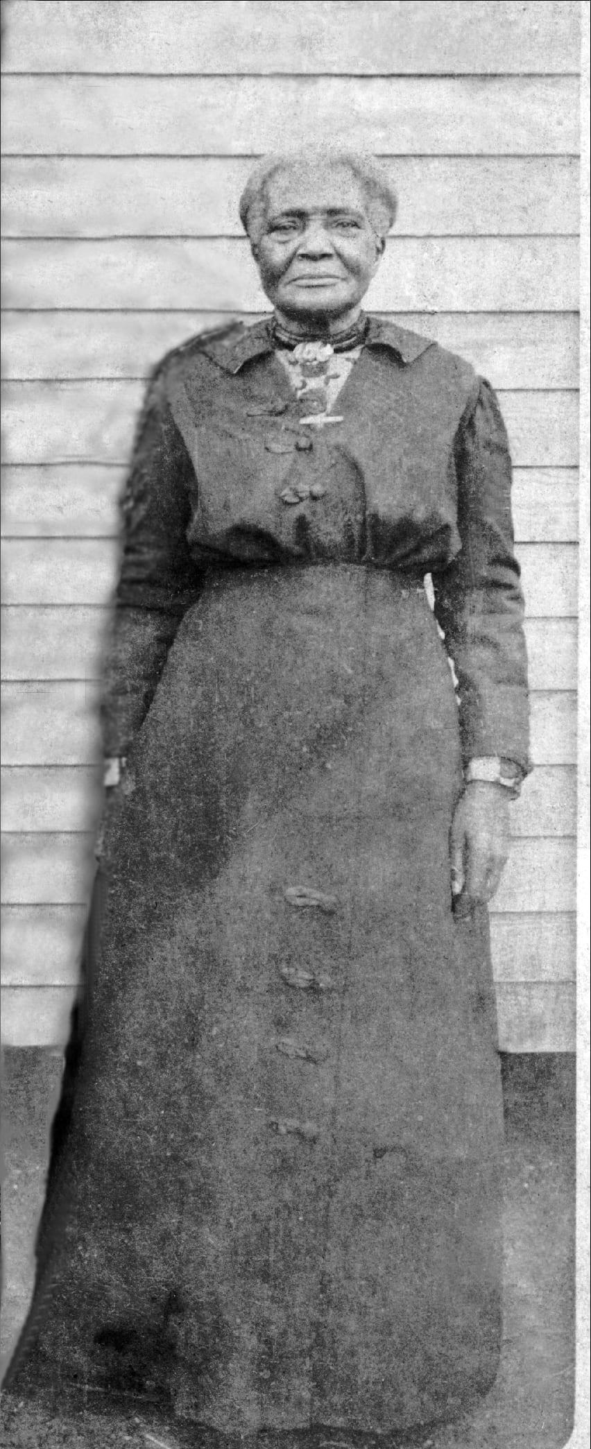1918 – Aunt Caroline Dye