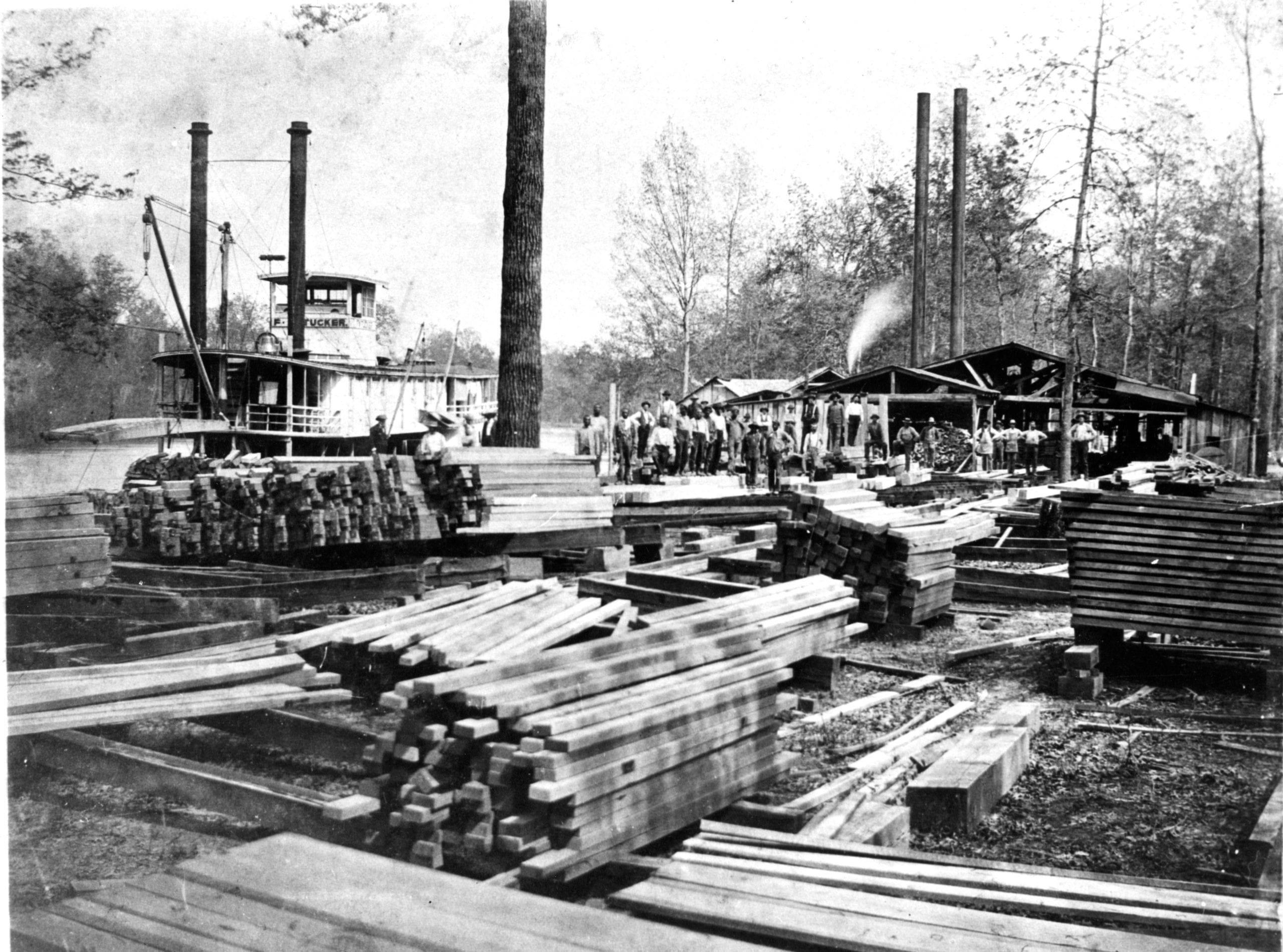 1920's – Steamer F.W. Tucker