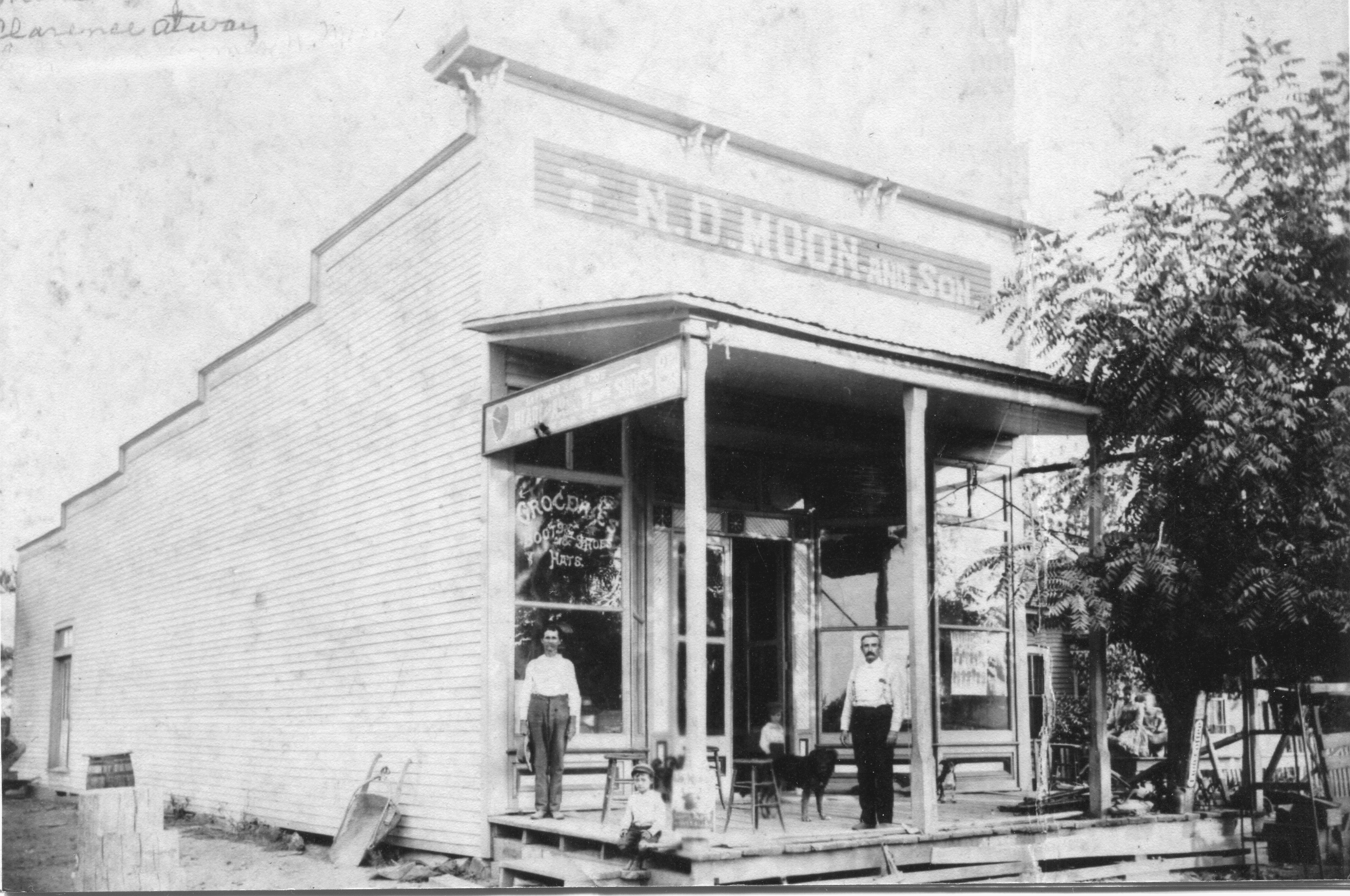 1920's – Moon Store, Swifton