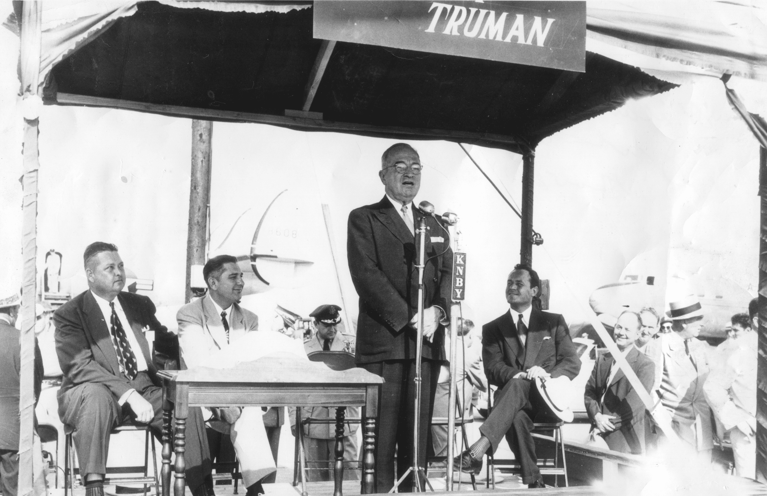 1952 – President Truman speaks in Newport